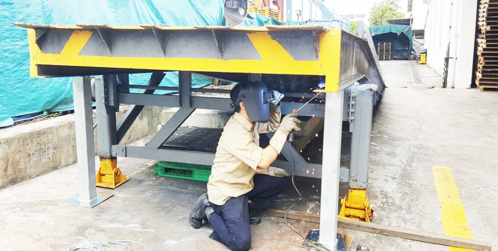 Welding-Service-Singapore-on-site-welding-1024x517